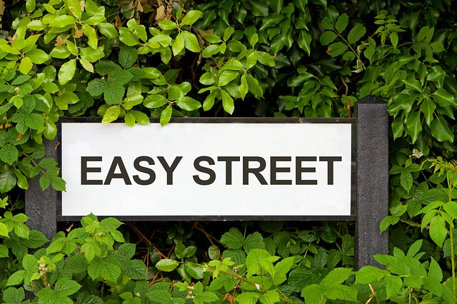 Picture of an Easy Street Sign